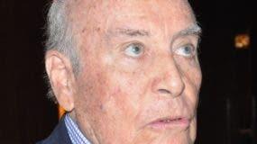 Enrique Cadena, embajador de  Ecuador.