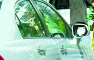 Ver vehículo sin retrovisores se ha vuelto algo común.