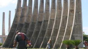 Monumento a la Constitución en San Cristóbal.  Archivo