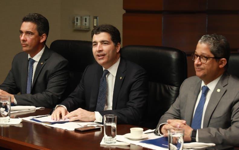 Ejecutivos del Banco ofrecieron detalles en un encuentro.