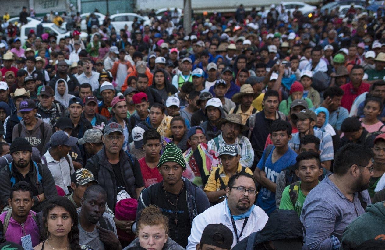Los miles de migrantes acampan en zona  de México en su marcha hacia Estados Unidos.