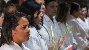 Los últimos médicos llegarán a Cuba el 12 de diciembre.