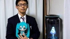 Por más de 10 años  ha estado enamorado del holograma.