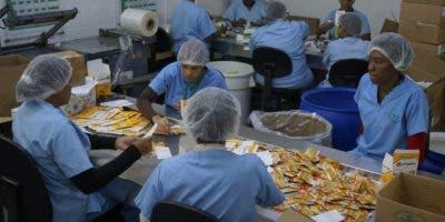 El Laboratorio  Lam es uno de los 70 negocios de ese tipo que hay en el país.   Elieser Tapia
