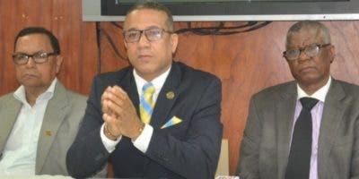 Peralta Romero, Juan Carlos Bisonó  y Fernando Custodio.