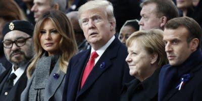 Los líderes mundiales en la foto de familia en la conmemoración del armisticio bélico.