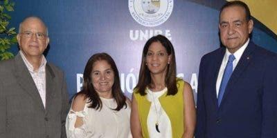 Gustavo Batista, Grace Cochón, Odile Camilo y Julio Amado Castaños Guzmán.