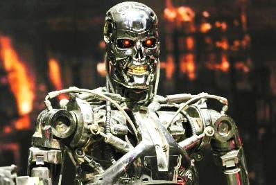 En el 'futuro', Mike pudo observar toda clase de robots.