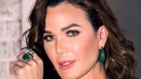 Luz García trabaja su programa de televisión desde su propio estudio.. FUENTE EXTERNA