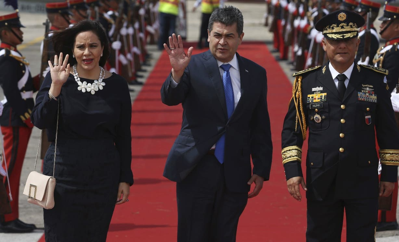 El presidente de Honduras, Juan Orlando Hernández,  llega  a la Cumbre Iberoamericana