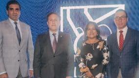 Leandro Sebele, Gustavo Ariza, Nurys Marte y Jorge Arbaje  durante la celebración en Santiago.
