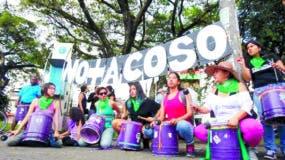 Colectivos de mujeres marcharon ayer en Latinoamérica.