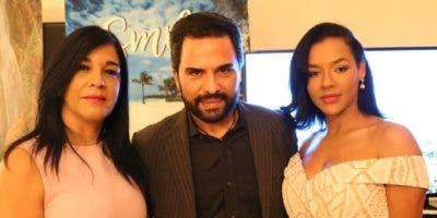 Janet Blandino, Manny Pérez y Aldonsa Alcántara.