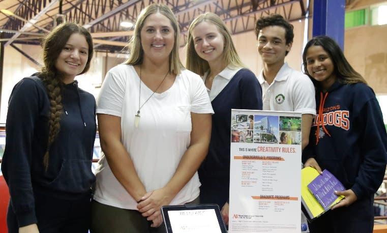 Jashe Vieluf, Willemijn van Wandelen, José Bonet y Veronica Noboa y Kelsey Sager de Miami University