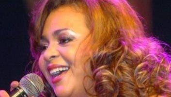 Jackeline Estévez será una de las artistas.