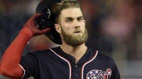 Bryce Harper busca romper el récord contractual en la historia del béisbol.  AP