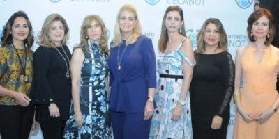 Patricia Álvarez, Lucía Corripio, Gina Majluta, Ana Marranzini, Gina Haché, Ana Matilde Cruz y Luisa Valdez.