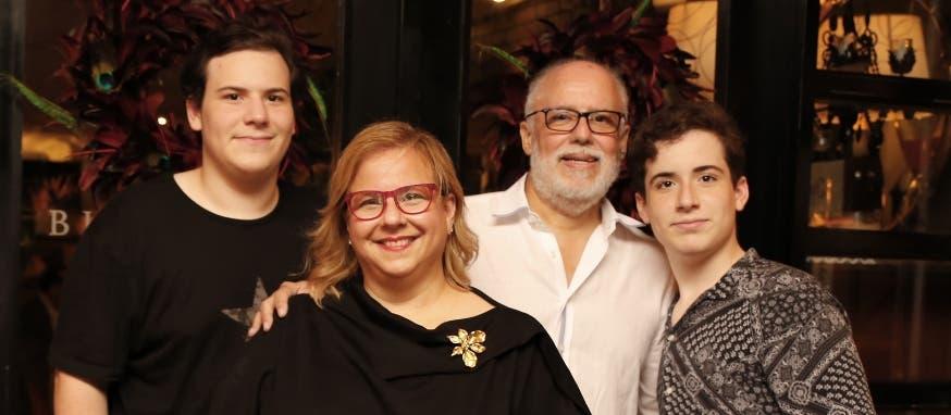 Moisés García, Angelly Varela, Moisés García padre y Manuel García.