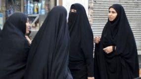Las mujeres en Irán  no tienen derecho, por ley, a asistir a los estadios deportivos.