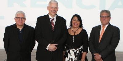Francisco Álvarez. Jorge Marte, Milagros Ureña y Bryan Mandell.