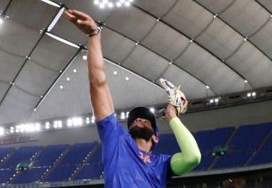 El dominicano Amed Rosario en el Tokyo Dome de Japón.