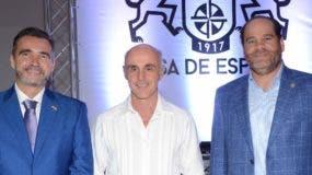 Juan Antonio García, Alejandro Abellán García y Julio García durante la degustación.