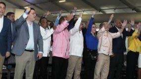 Principales autoridades del PRM estuvieron presentes en la reunión de ayer. Luis Abinader pidió excusa por muerte de su padre.   José de León