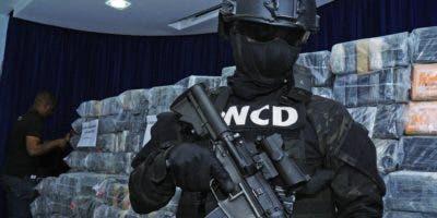 El cargamento de cocaína fue presentado ayer en la sede de la DNCD bajo  un amplio dispositivo de seguridad, para luego ser enviado al Inacif. Elieser Tapia