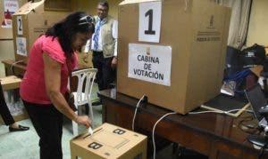 Hermandad de Pensionados  estrenó votación automatizada.