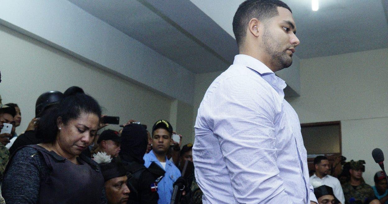 Marlon y Marlín Martínez mientras escuchaban la decisión de los jueces. Elieser Tapia