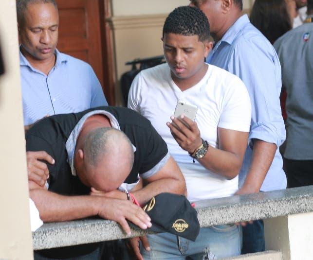 14. Genaro Peguero llora tras escuchar decisión.