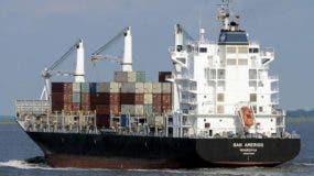 Embarcación continuó traveía tras zarpar de Haina Oriental.  Archivo