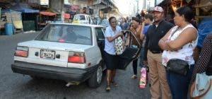 No todos los transportistas se sumaron al paro convocado en Santo Domingo.  Elieser Tapia