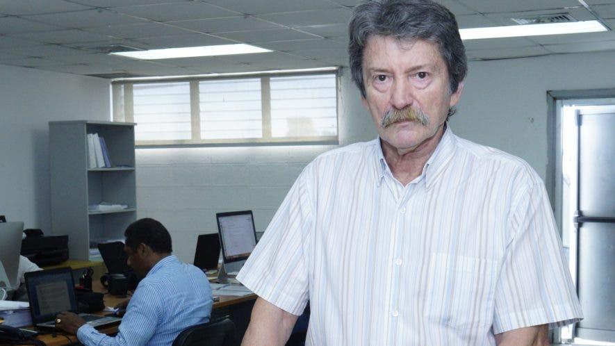 Jorge Mario Jáuregui, de nacionalidad argentina, es el  arquitecto encargado del proyecto Domingo Savio.  Elieser Tapia