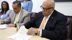 El acuerdo fue firmado por el presidente del Consejo Nacional de Drogas; Rafael Guerrero Peralta, y el alcalde de Carlos José Sánchez Pineda.