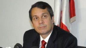 Orlando Jorge Mera es miembro de la Comisión Política.