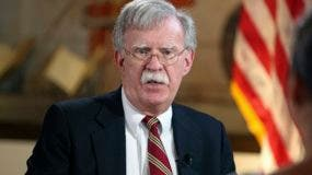 El asesor de seguridad nacional de Estados Unidos John Bolton habla con el Miami Herald en la Torre de la Libertad en Miami el jueves 1 de noviembre de 2018. (Emily Michot/Miami Herald vía AP)