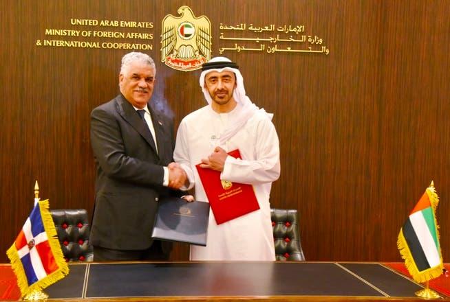 Canciller Miguel Vargas suscribe cuatro acuerdos con los Emiratos Árabes Unidos