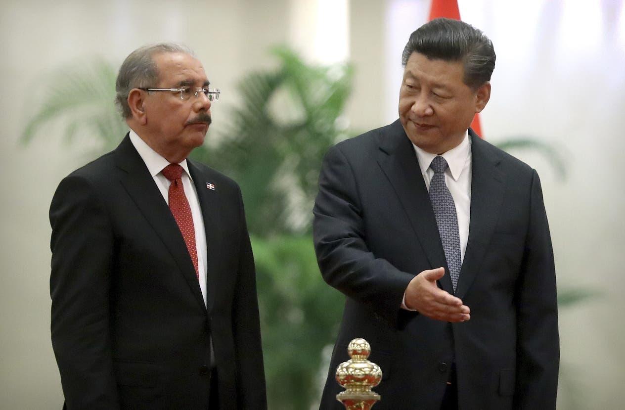 7. El presidente Chino  Xi Jinping y el presidente Danilo Medina. (AP Photo/Mark Schiefelbein)