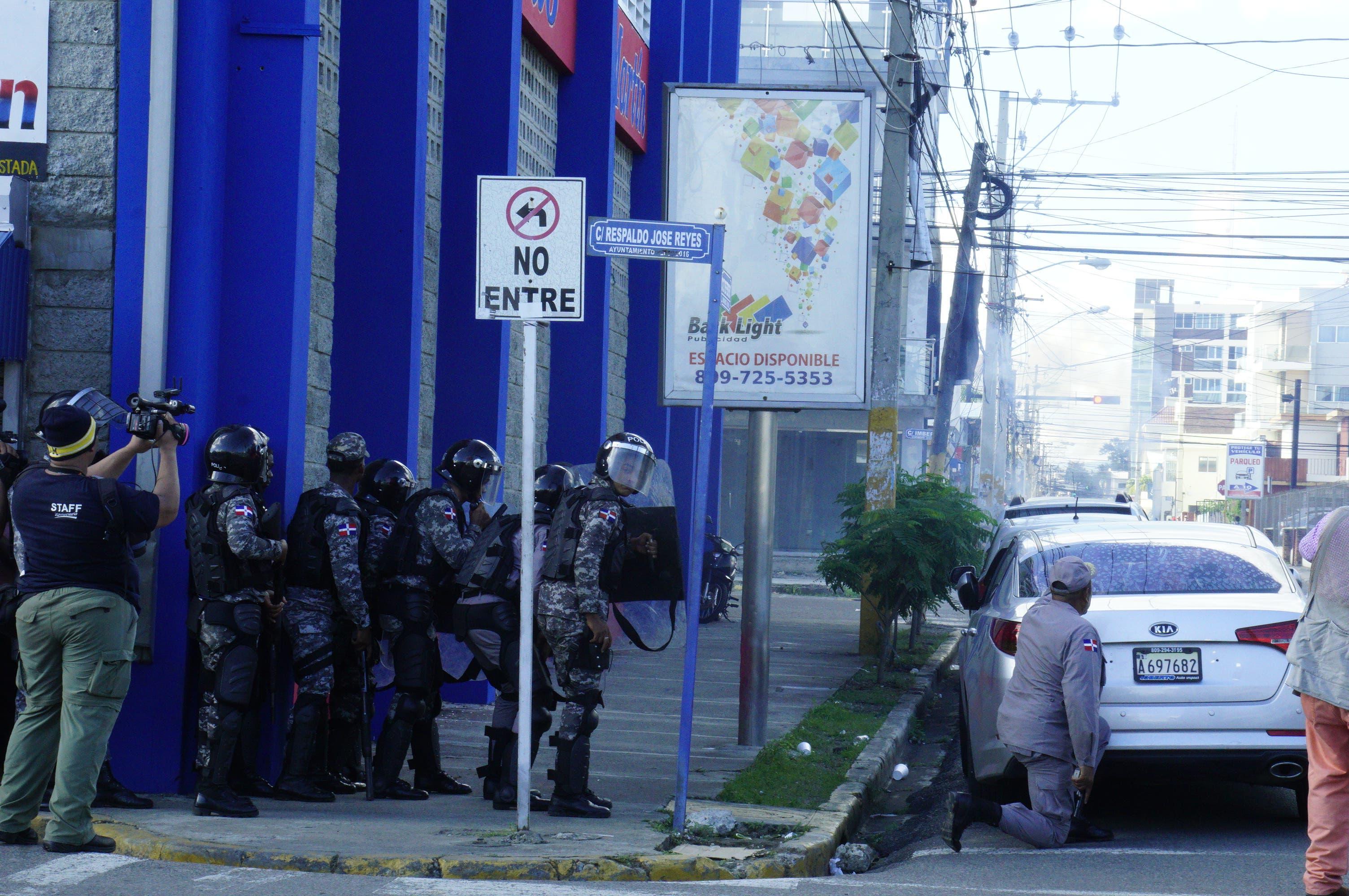 19. Militares reaccionan ante protestas