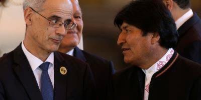 """Evo Morales dijo  que el intervencionismo, las guerras genocidas y los efectos del cambio climático"""" son algunas de las causas por las que millones de personas han sido desplazadas """"por la fuerza"""" de sus países de origen.  (AP Photo/Moises Castillo)."""