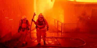 El viernes, el enorme incendio se extendió hacia norte y funcionarios ordenaron desalojar a los habitantes de las comunidades Stirling City e Inskip, al norte de Paradise en la falda de Sierra Nevada.