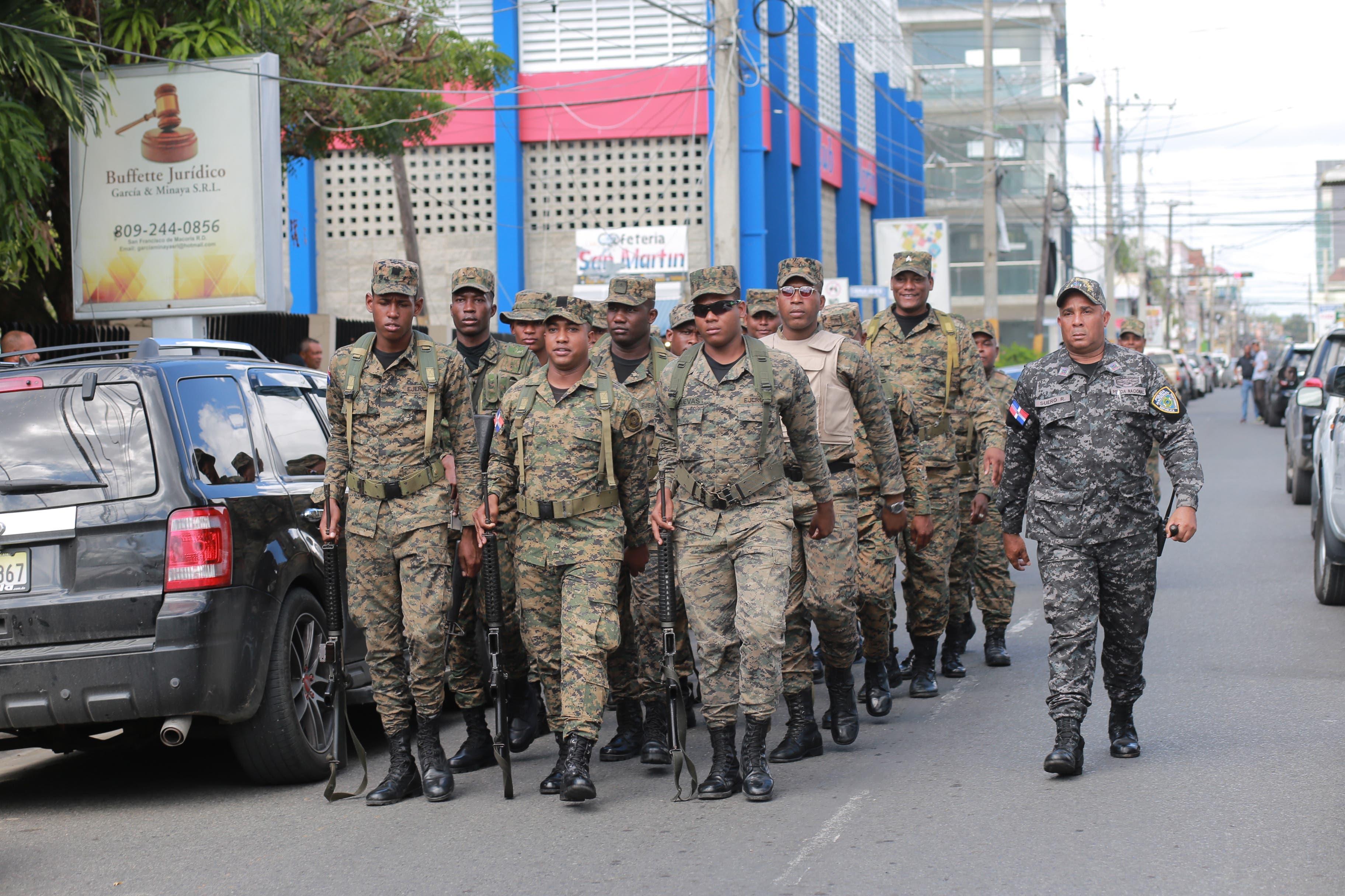 1. Las medidas de seguridad fueron reforzadas ante amenazas de la población
