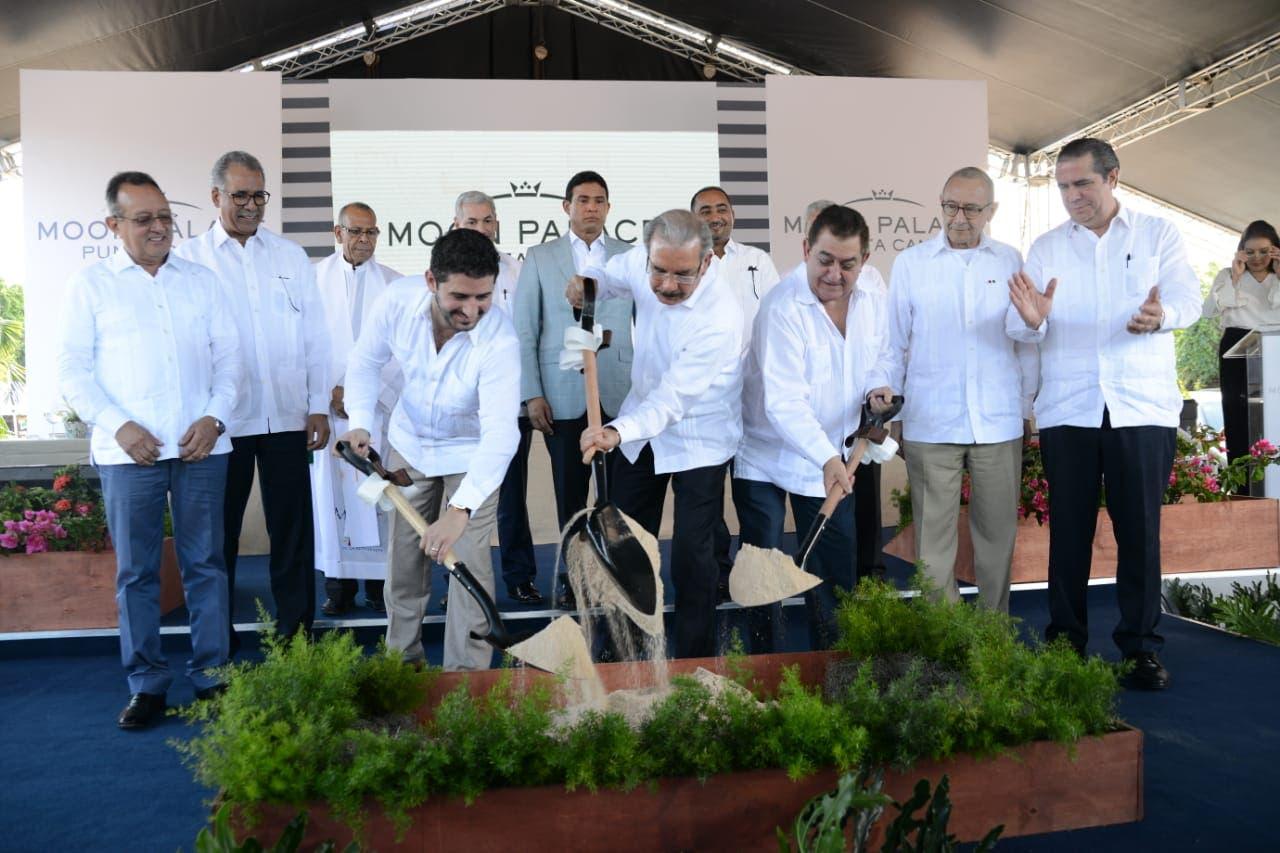 Gobierno da primer picazo para construir el Moon Palace Punta Cana