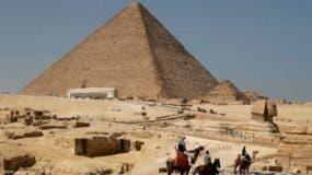 La Gran Pirámide de Guiza es la más antigua de las siete maravillas del mundo.