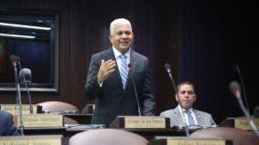 Ricardo de los Santos solicita cambio de agenda