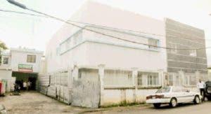 Los trabajos en el hospital municipal de Villa Mella llevan varios años paralizados.
