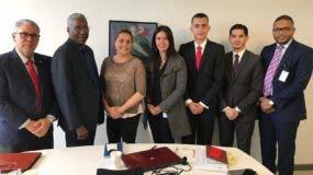 El ingeniero German Nova, director de la DGJP; reunido con funcionarios dominicanos y colombianos.