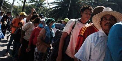 A los migrantes que van de Ciudad de México hacia Tijuana les espera un camino de 2.800 kilómetros.