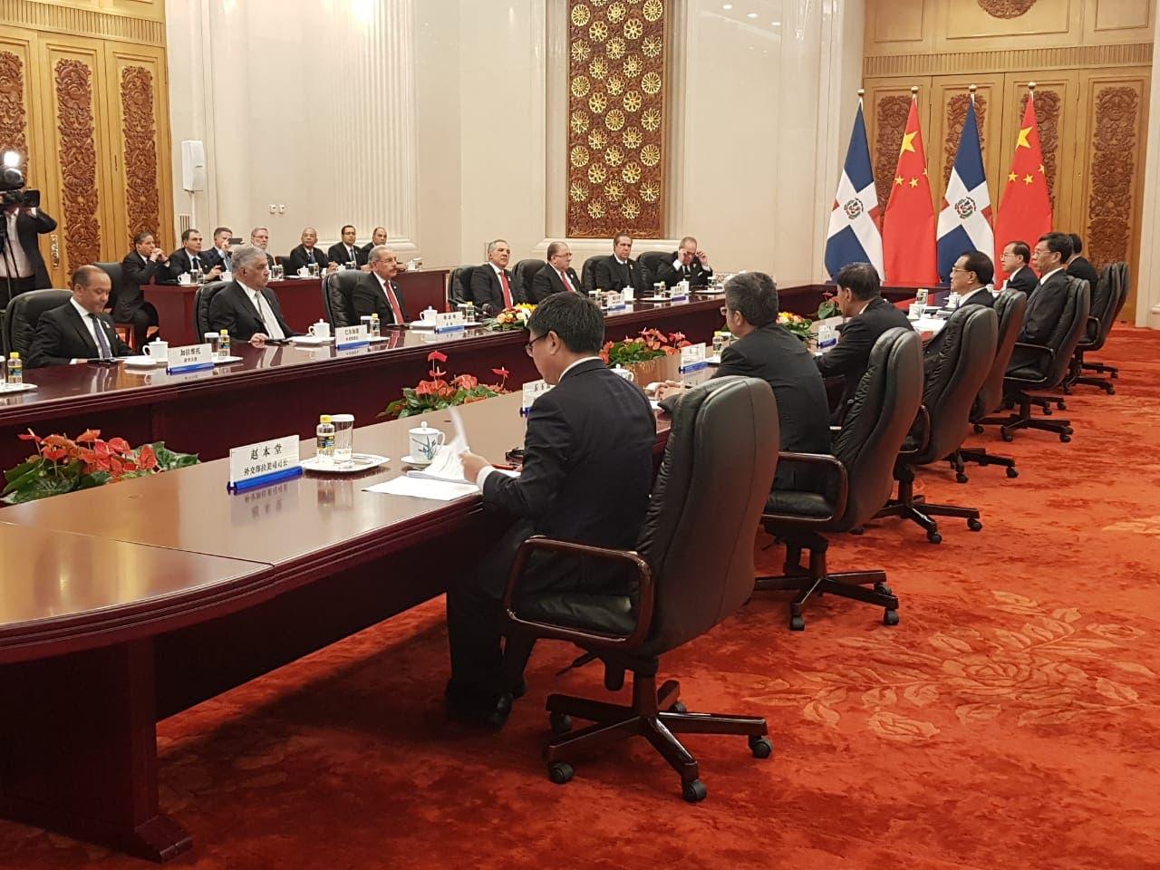 12. El presidente Danilo Medina se reunió con el primer ministro de la República Popular China, Li Keqiang.
